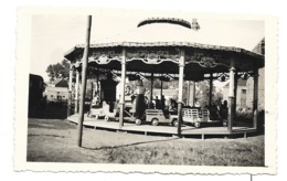 Photo D'un Carrousel  ( Pouverneur Arthur, 181 Voie De Wasmes à Cuesmes )  Manège, Foire, Forain - Unterhaltung