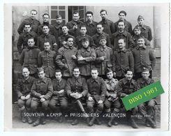 PHOTO 518 - MILITARIA - Photo Originale 21 X 16 - Souvenir Du Camp De Prisonniers D'ALENCON 1940 - Guerre, Militaire