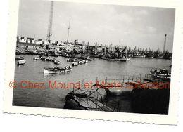 PORT SAID AVRIL 1951 A L ENTREE DU CANAL DE SUEZ  - PHOTO EGYPTE 6*9 CM - Lieux