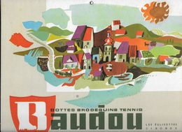 Plaque Publicitaire Carton BAUDOU Bottes,brodequins,tennis VUE DU VILLAGE Des EGLISOTTES (Gironde)    23 X 29.5 Cm - Paperboard Signs