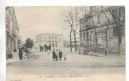 52 - St-DIZIER - La Place De L' Hôtel-de-Ville. Animée - Saint Dizier