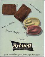 """Plaque Publicitaire Carton Années 50  -GANTS """" NYL-NETT """" Pour """"femmes """" à La Page - Ménage, Toilette, Lustreuse 21 X 27 - Paperboard Signs"""