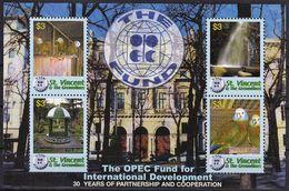 2006 St. Vincent 30th Anniversary Of OPEC International Development Fund Minisheet (** / MNH / UMM) - Parrots