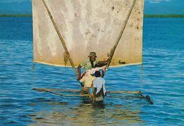 MADAGASCAR - Nosy Be - Pirogue - CPM Couleur - Phot. C. Chadefaux - Madagaskar