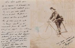CPA-PHOTO Carte Photo Militaire Soldat Chasseur Alpin Sur Sa Bicyclette Vélo 2 Roues Cycling Radsport (2 Scans) - Cyclisme