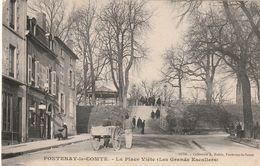 85 Fontenay Le Comte.  Les Grand Escaliers , Place Viète - Fontenay Le Comte