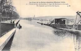 75 - PARIS 07 ° - INONDATIONS De PARIS ( Janvier 1910 ) Crue Seine : Ligne Des Moulineaux Près GARE Des INVALIDES - CPA - De Overstroming Van 1910