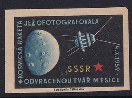 Czechoslovakia Space Weltraum Espace: Matchbox Labels: Luna 3: Moon Flyby  1959; First Photos Of Dark Side Of The Moon - Matchbox Labels
