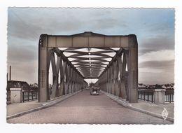 67 Strasbourg N°199 Le Pont Sur Le Rhin Peugeot 203 Et Voiture Américaine Chevrolet ? VOIR DOS - Straatsburg