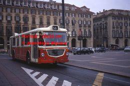 Reproduction D'une Photographie D'un Bus Ligne 56 Circulant à Turin En Italie En 1977 - Riproduzioni