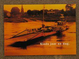 DUTCH RIVER FERRY - Fähren