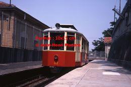Reproduction D'une Photographie D'une Vue De Face D'un Tramway à Crémaillère De Superga-Turin En Italie En 1978 - Riproduzioni