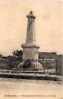 LA COURONNE - Monument Aux Morts Pour La Patrie    (1756 ASO) - France