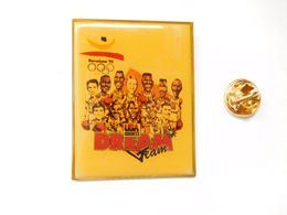 Beau Big Pin's , JO Jeux Olympiques Barcelone 92 , Basket , Dream Team - Jeux Olympiques