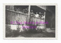 SCHNEPFAU LE 10 AOUT 1944 DEVANT LA BOULANGERIE - PHOTO 9*6 CM AUTRICHE - Orte
