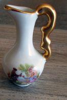 Pichet Miniature En Porcelaine - Limoges France - Autres