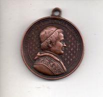 REF MON4  : Médaille Ancienne Pendentif Bronze Pius Nonus Pie IX L Penin Lyon Diam 25 Mm - Religion & Esotericism