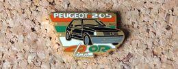 Pin's PEUGEOT 205 Color Line  - émaillé à Froid époxy - Fabricant HELIUM Paris - Peugeot