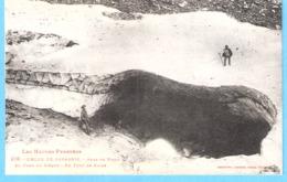 Cirque De Gavarnie (Hautes-Pyrénées)-+/-1910-Amas De Neige Au Fond Du Cirque-Un Pont De Neige-animée - Gavarnie