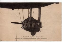 Le Dirigeable L.72 à Cuers-Pierrefeu (Var)-La Nacelle Du Commandant Au Moment De La Prise En Remorque - Airships
