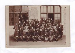 Carte Photo : 14 X 9 De La Manufacture D'Armes De TULLE. Groupe Des Elèves  Armuriers , Années 1907 - 1908 - Tulle