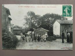 CPA - Le Vieil Dampierre (51) - L'ecole Et Mairie Place Communale - Sonstige Gemeinden
