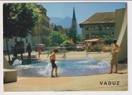 LIECHTENSTEIN - AK 382747 Vaduz - Postplatz - Landesbank - Liechtenstein