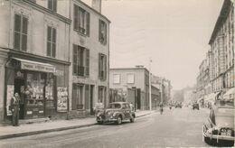 CPSM - Saint Maurice 94 : Ave Grl . Leclerc - Marchand De Journaux , Voitures Peugeot 203 . - Saint Maurice