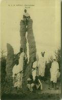 SOMALIA - UNE TERMITIERE - ANT-HILL - WARRIORS - 1920s ( BG8657 ) - Somalia