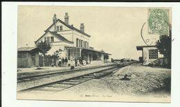 60 - Oise - Betz  - La Gare - Voyageurs Sur Les Quais .- Train - Chemin De Fer - - Other Municipalities
