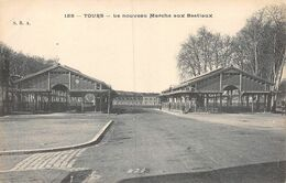20-8796 :  TOURS. LE MARCHE AUX BESTIAUX. LES HALLES - Tours