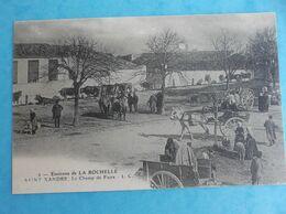 17 , SAINT-XANDRE : Le CHAMP De FOIRE , Animée  , C.P.A., En Bon état - Altri Comuni