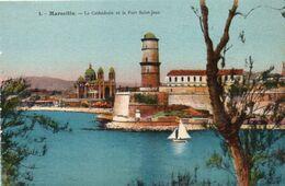 CPA Couleur / Marseille. La Cathédrale Et Le Fort Saint-Jean Circa 1940 - Francia