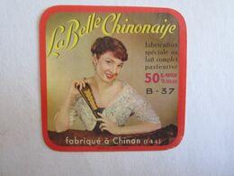 Alimentation > Etiquettes > Fromage La Belle Chinonaise Fabriqué Chinon Femme éventail - Kaas