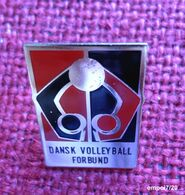 Pin's DANSK VOLLEY-BALL FORBUND - Danemark - Volleybal
