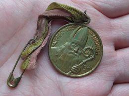 GALERIES Et GRAND BAZAR > Bd ANSPACH > 1941 ( 3.1 Gr. / 28 Mm./ Voir Scan ) Met Lintje ! - Unclassified