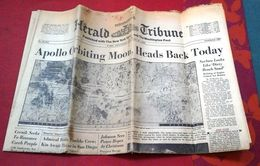 Herald Tribune 25 Décembre 1968 APPOLO 8 En Orbite Autour De La LUNE, Guerre Du Viet Nam - Libri, Riviste, Fumetti