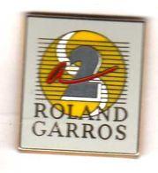 Pin's Roland Garros Antenne 2 A2 Zamac Arthus Bertrand - Arthus Bertrand