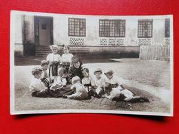Romania Manastirea Bistrita Calugarita Cu Copii Orfani - Rumania