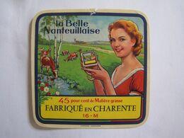 Etiquette De Fromage LA BELLE NANTEUILLAISE Fabriqué En CHARENTE 45% 16-M - Fromage