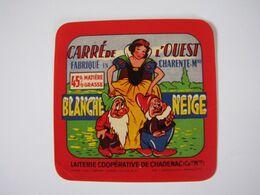 Etiquette De Fromage CARRE DE L'OUEST BLANCHE NEIGE Fabriqué En CHARENTE Mme 45% - Fromage