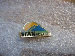 Pin's STAN Voyages. Réseau De Transport En Bus De L'agglomération Nancéienne - Trasporti