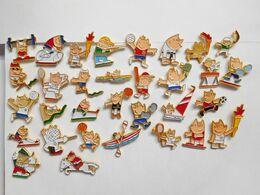 Série De 32 Pin's Différents  , JO , Jeux Olympiques  Barcelona 1992 , Différentes Disciplines - Giochi Olimpici