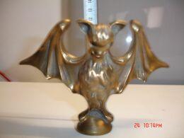 Murcielafo ,de Bronce Mazizo,18x12 Cm ,  Peso 1.100 Gr--(ref-8) - Bronzes