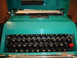 Maquina De Escribir,  OLivetti Studio 45, Con Maletin - Other Collections