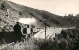 190720 - PHOTO VILAIN ? - CHEMIN DE FER TRAIN GARE - 15 Près LOUPIAC Ligne Paris Aurillac - Altri Comuni