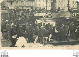 17 LA ROCHELLE. Embarquement Des Forçats (petit Blanc Coin Gauche)... - La Rochelle