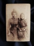 Photo CDV E. Valery à Paris - Femme Au Chignon Et Fillette, Corde à Sauter, En Janvier 1899 L513 - Oud (voor 1900)