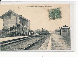 LA HAYE-MALHERBE : La Gare, Arrivée - Très Bon état - Autres Communes