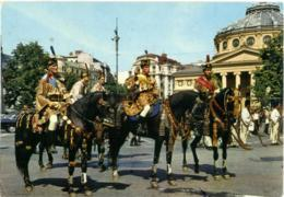 ROMANIA  BRASOV  The Junii Of Brasov Visit A Bucarest  Black Horses - Roumanie